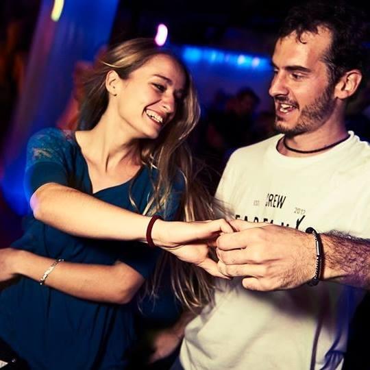 Marcos y Vane Bailando